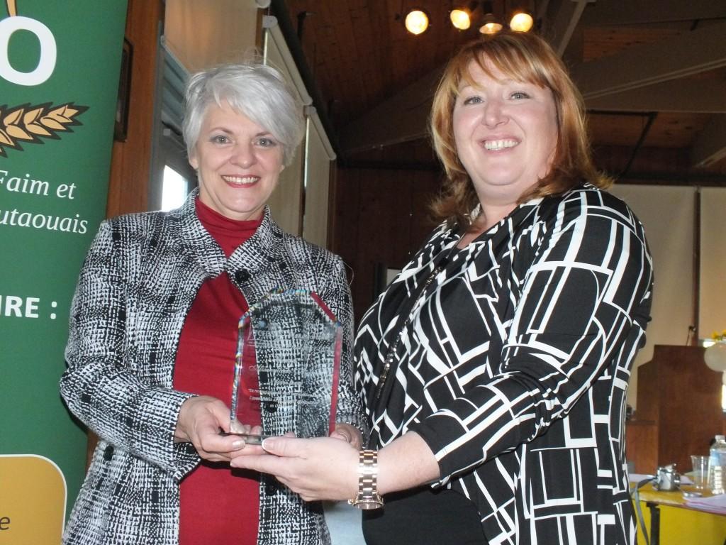 Prix Manger mieux 2012, «La Bonne Étoile et Mani-Jeunes remportent les honneurs»